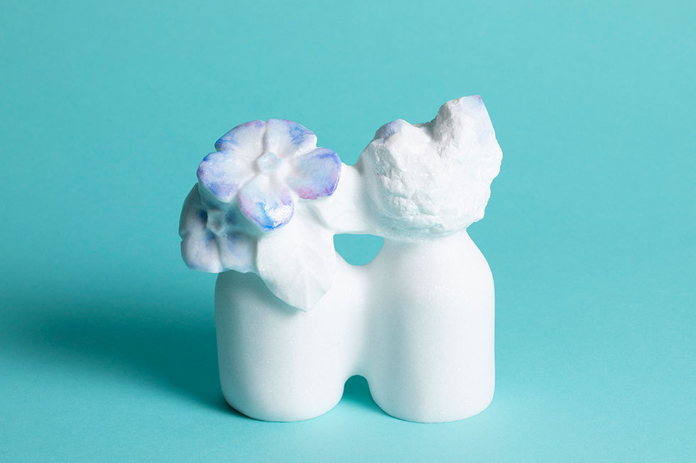 2つのビン -花と蕾-