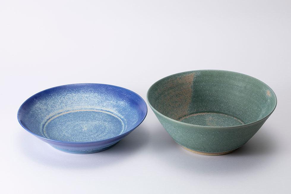 (左から) 海沫皿 / 紫蘇葉鉢