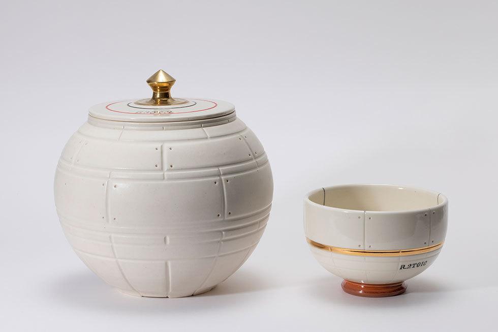 (左から) SORA FUNE 水指 H30T2 / SORA FUNE 茶碗 R2T01C