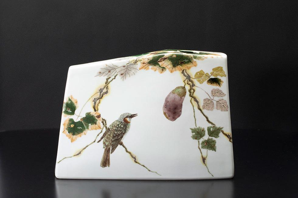 釉彩色絵金銀彩 実りに小鳥達文扁壷