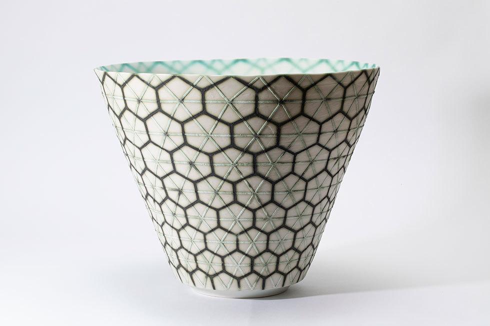 滲透彩磁亀甲模様花器