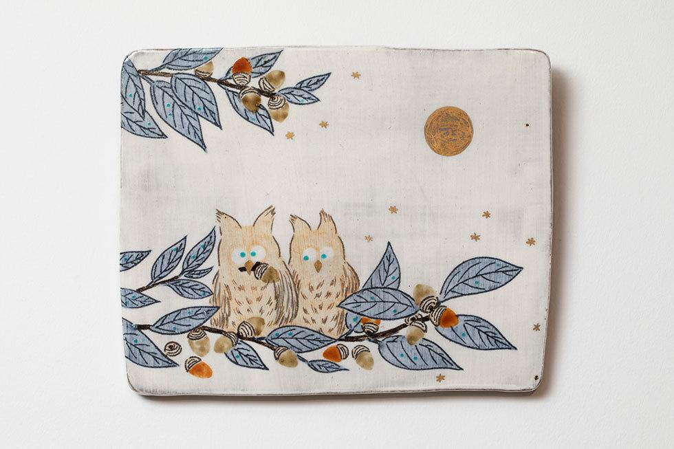 陶板「梟たちと満月」