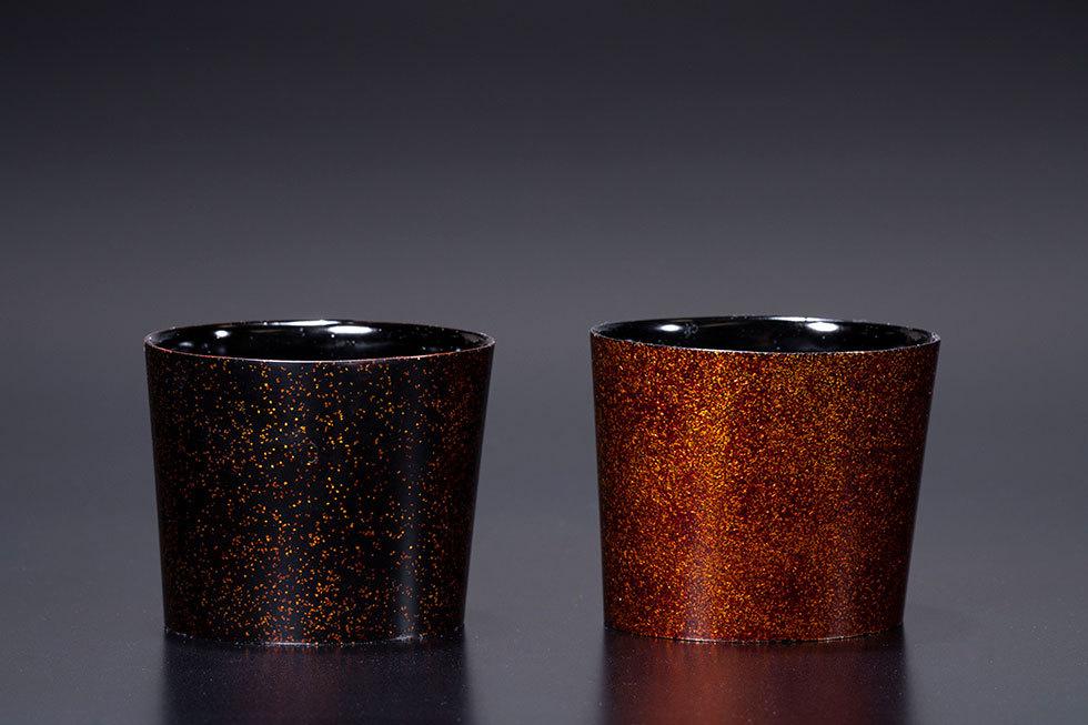 (左) 乾漆板楕円酒器 雌 / (右) 乾漆板楕円酒器 雄