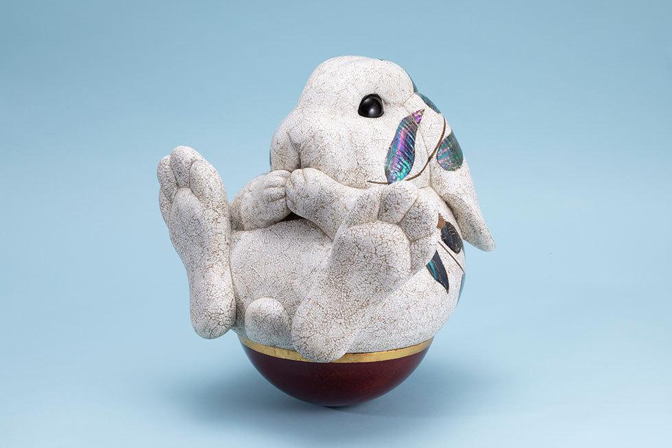 乾漆卵殻おきあがりこぼし「兎」