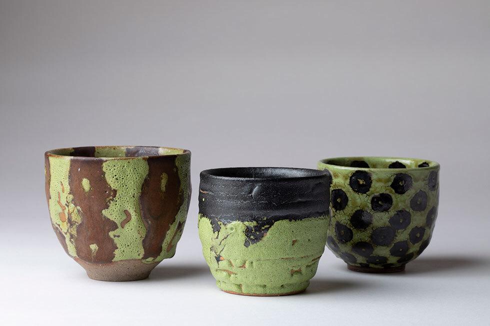 (左から)蛟龍瓷酒杯 / 蛟龍瓷盞 / 蛟龍瓷盞