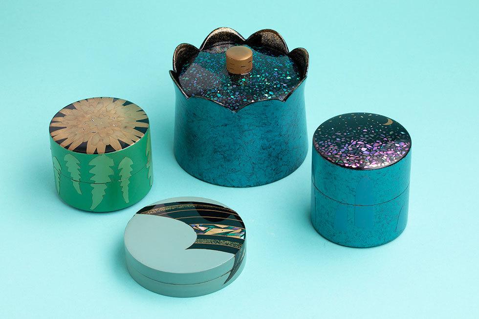 茶器-虹色空-・香合-帆-・茶器-タンポポ-・蓋物-夜の光-