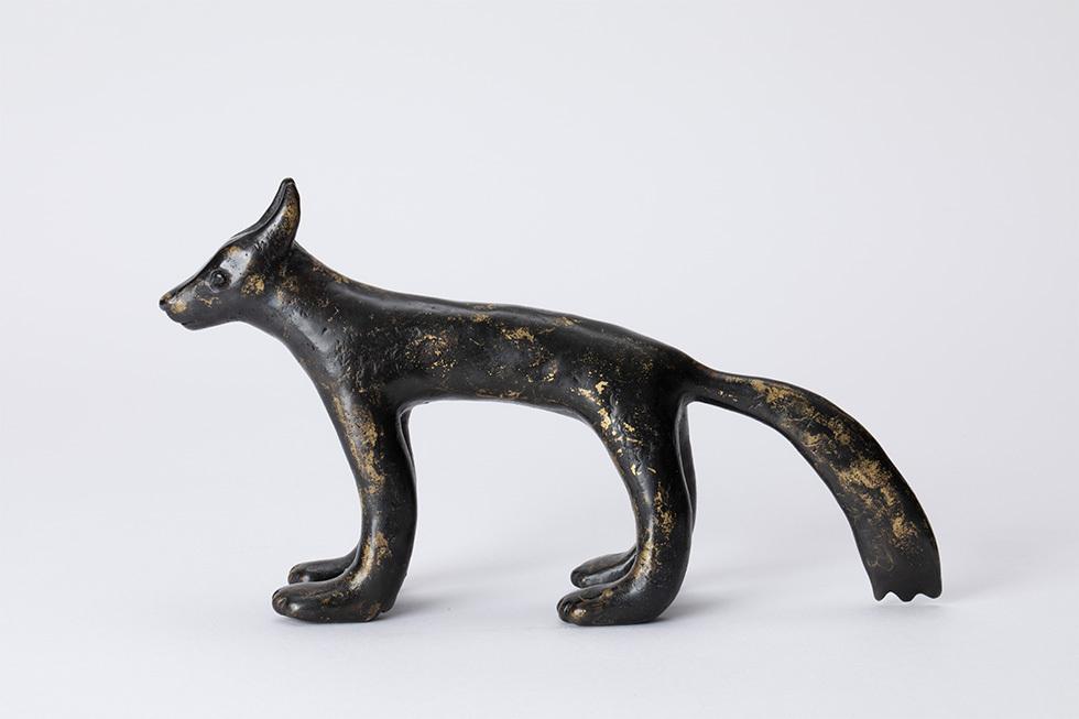 黒いオオカミ