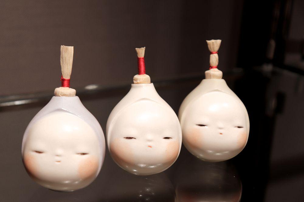 寺倉京古「振出 ちょんまげ坊や」(各16,500円)