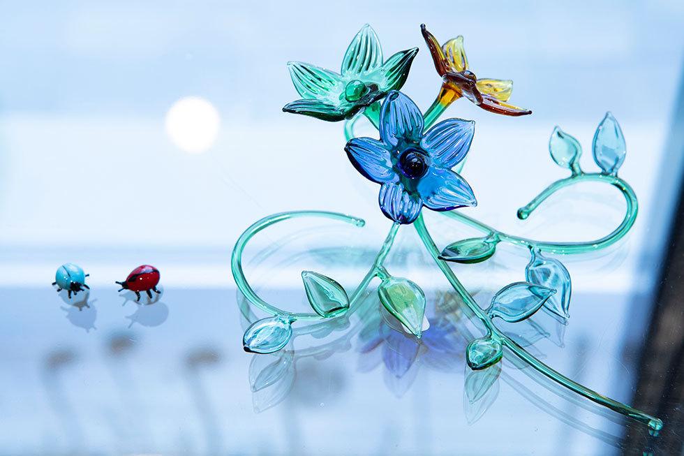 左から 藤枝奈々「Ladybug」「桔梗」