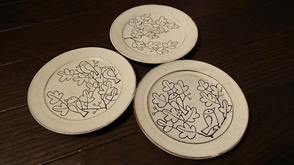 松田剣「掻き落とし三枚皿」(9,350円/税込)※筆者購入済