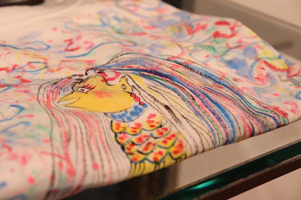 竹下洋子「手描き絵画アマビエTシャツ」